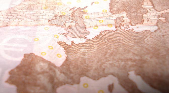 Géographie de l'argent par Maelys Waiengnier, Nicola Dotti, Xavier May et Thomas Ermans